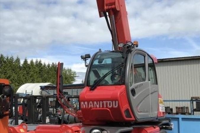 1_Manitou-Telehandler-MRT2150(27).jpg