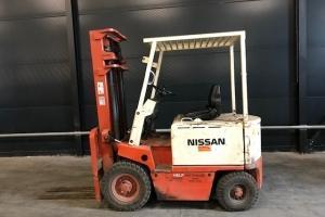 Nissan UB 02L200